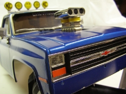 Tamiya Clodbuster 58065 Blue and Chrome - Grill and Front Bowtie Close-Up