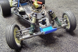 Team Associated B3 - Over Front Body Off