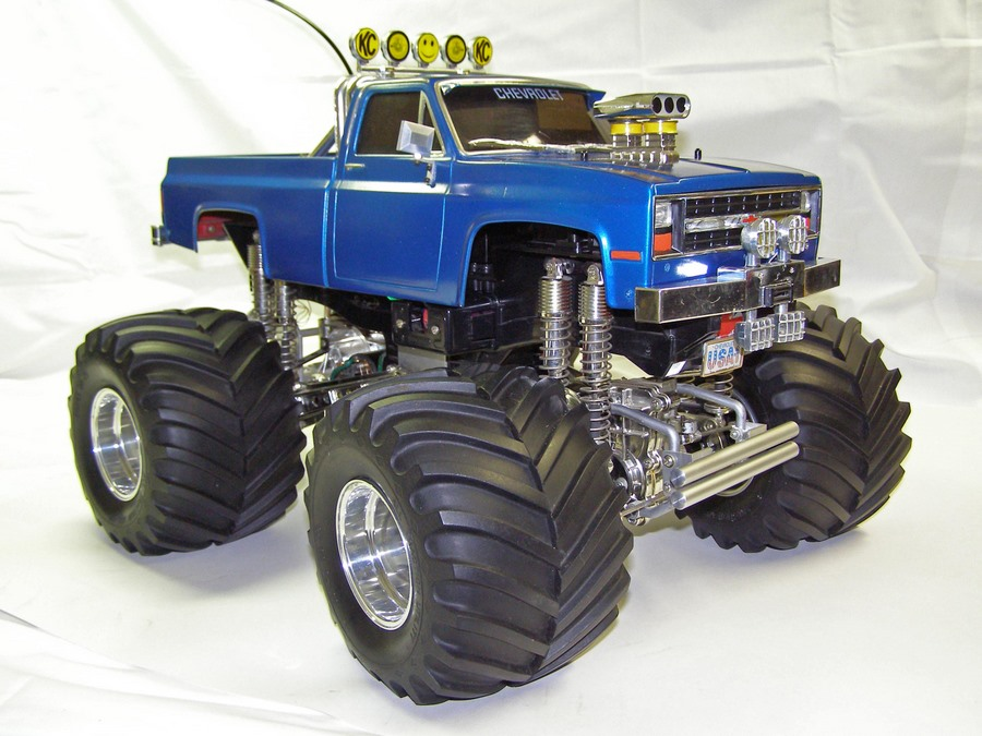 Tamiya-Clodbuster-58065-Blue-and-Chrome-Overall-brighter