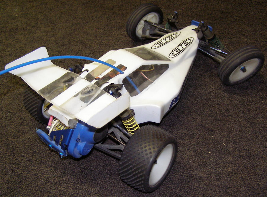 Team-Associated-B3-Overall-Top-Rear-Right-Corner